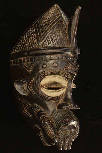 African Lulua Mask 8, Right Angle